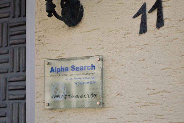 Firmenschild - Alpha Search